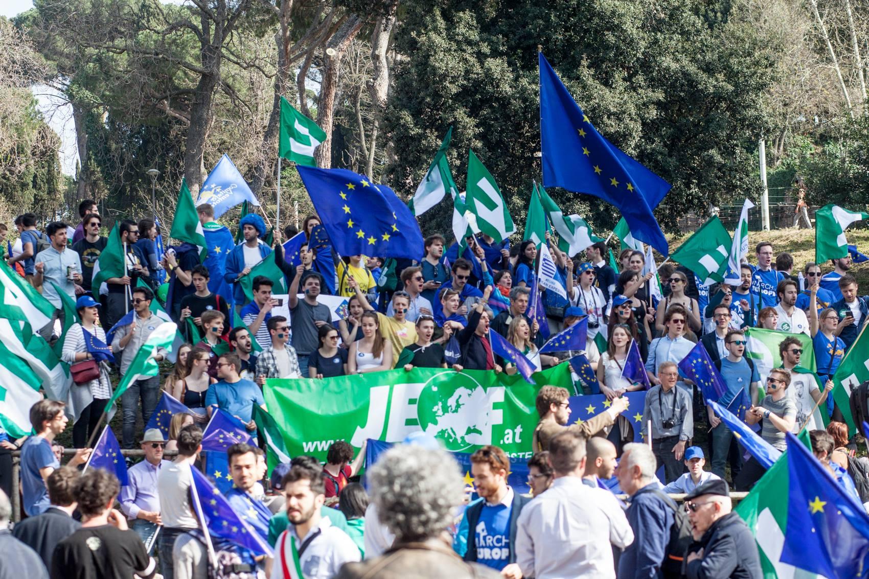 """Èxit de la """"Marxa per Europa"""" a Roma!"""