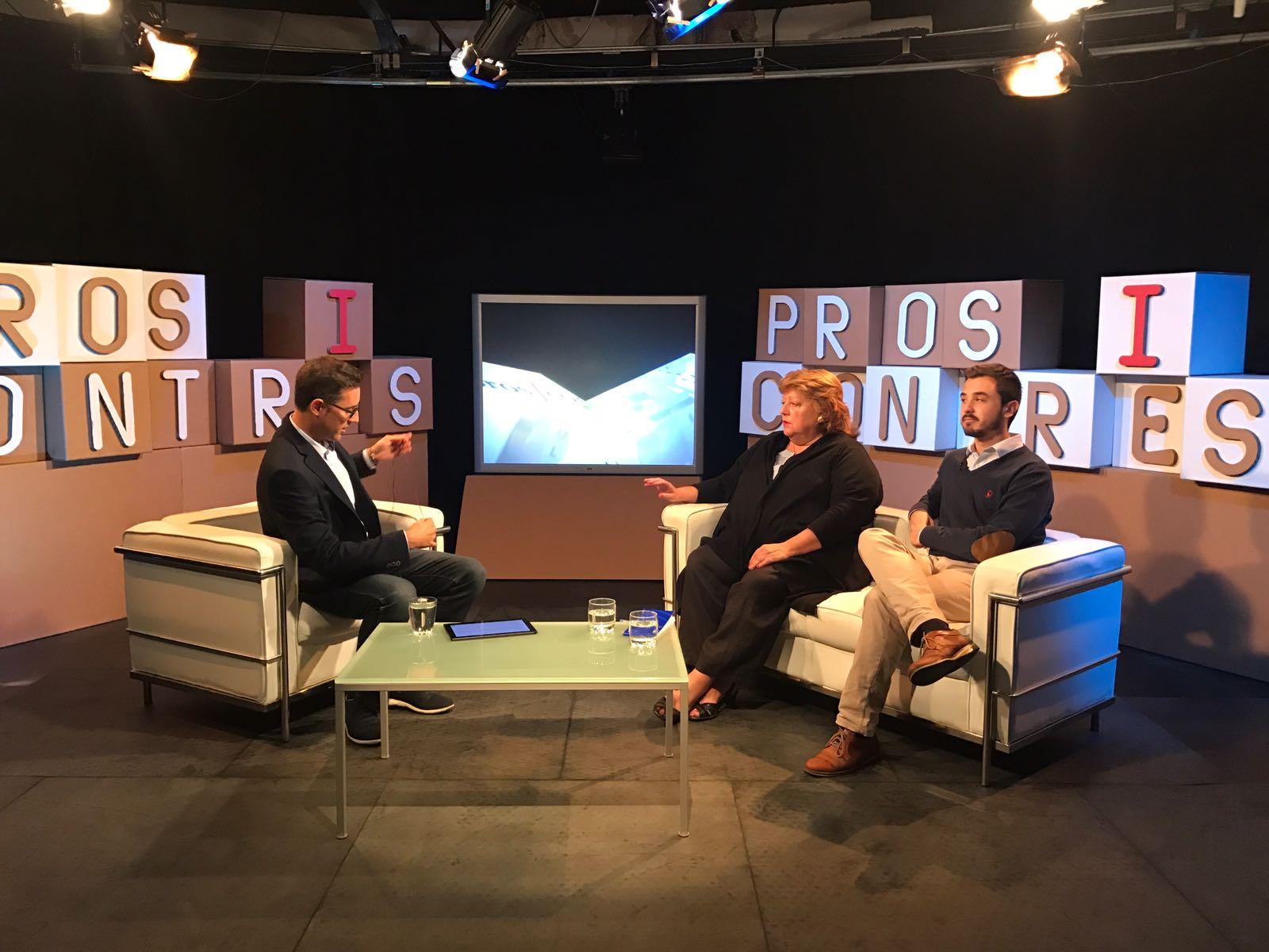 Teresa Carreras i Víctor López parlen a Olot TV sobre el paper de la UE en el referèndum de l'1-O