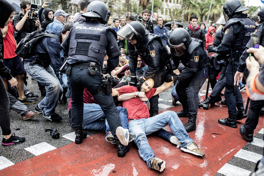 Petition to the EU to condemn the violence deployed by the Spanish police in Catalonia